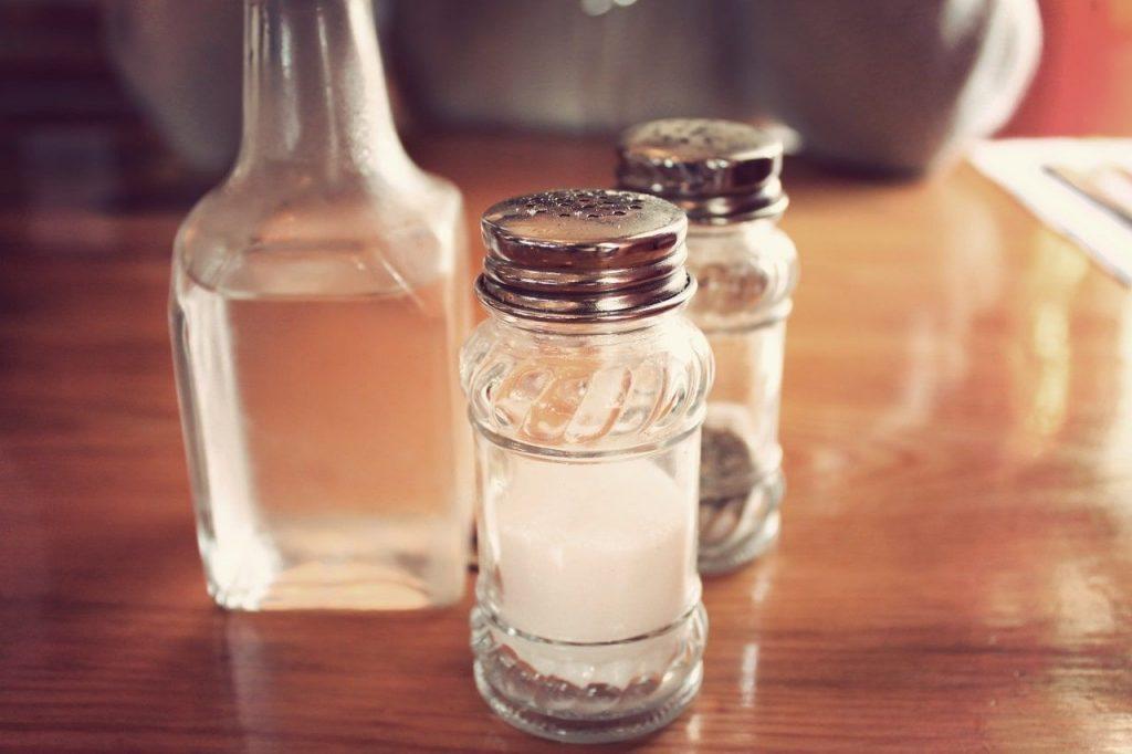 bicarbonato de sodio y vinagre